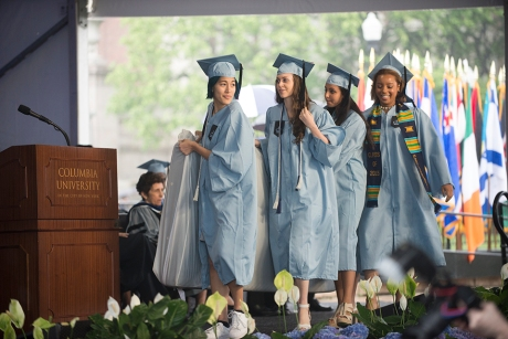 Sulkowicz Carries Mattress to Graduation